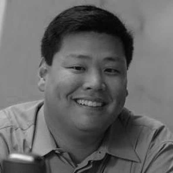 headshot of Peter Huh