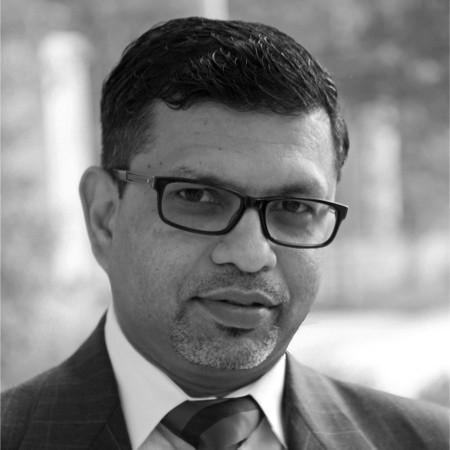 headshot of Vishal Bhalla
