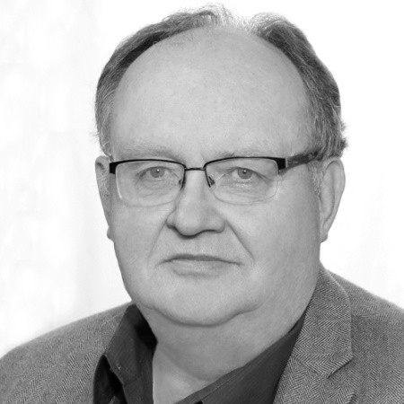 headshot of Phil Snider