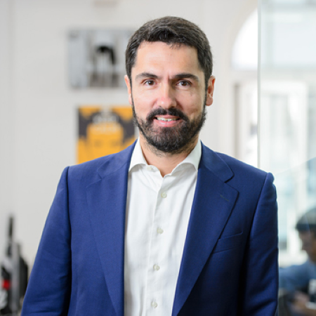 headshot of Mario Aransay