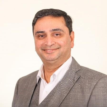 headshot of Raahil Burhaani