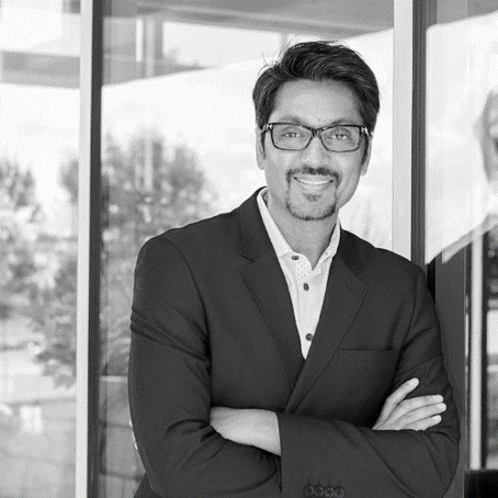 headshot of Tauseef Khan