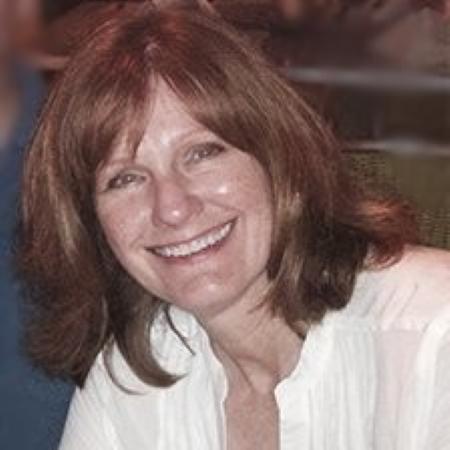 headshot of Deann Campbell