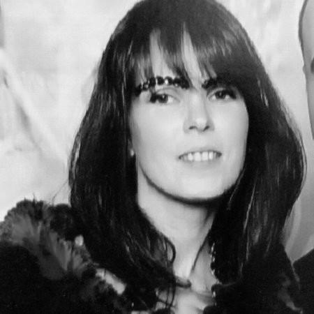 headshot of Yelena Fradlis