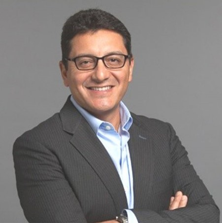 headshot of Gaston Sandoval