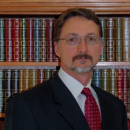 headshot of Stuart HIll