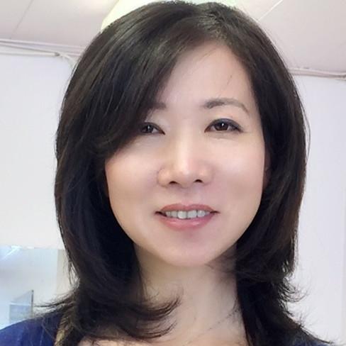 headshot of Julie Zhu