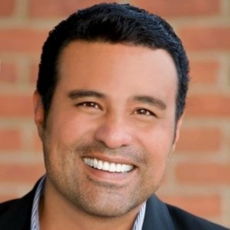 headshot of Robert Escobar